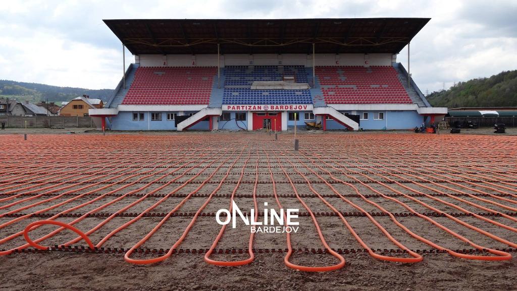 Práce na futbalovom štadióne napredujú!