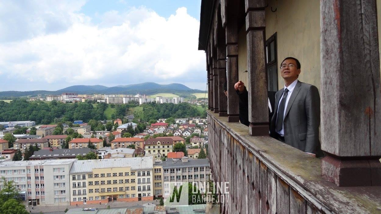 Neoficiálna návšteva z čínskej ambasády