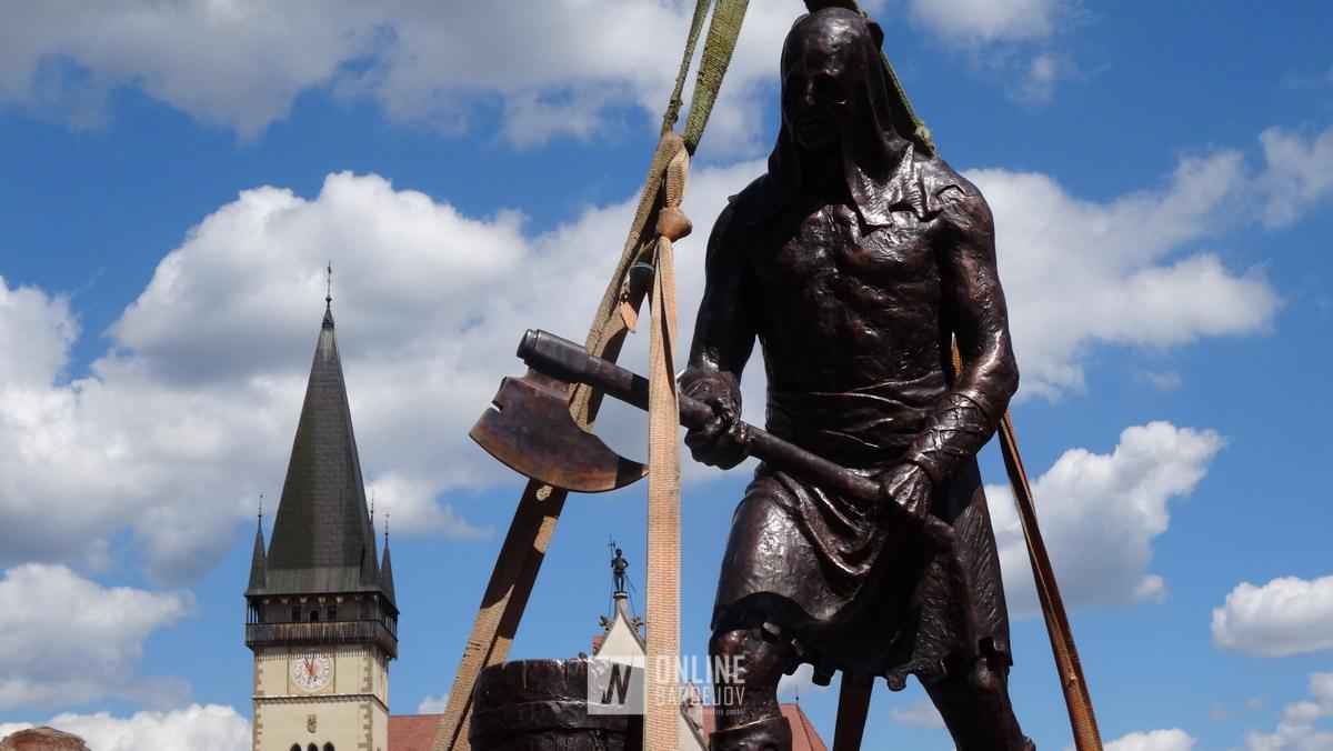 Bardejov má opäť svojho kata, našťastie len odliateho z bronzu.