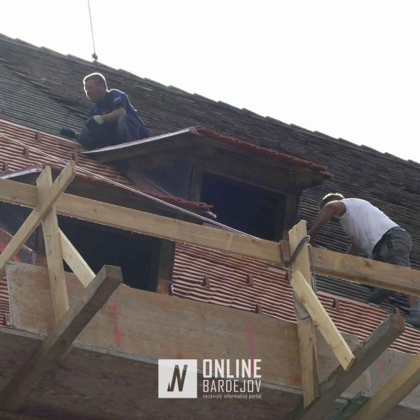 Obnova strechy Hrubej bašty v Bardejove