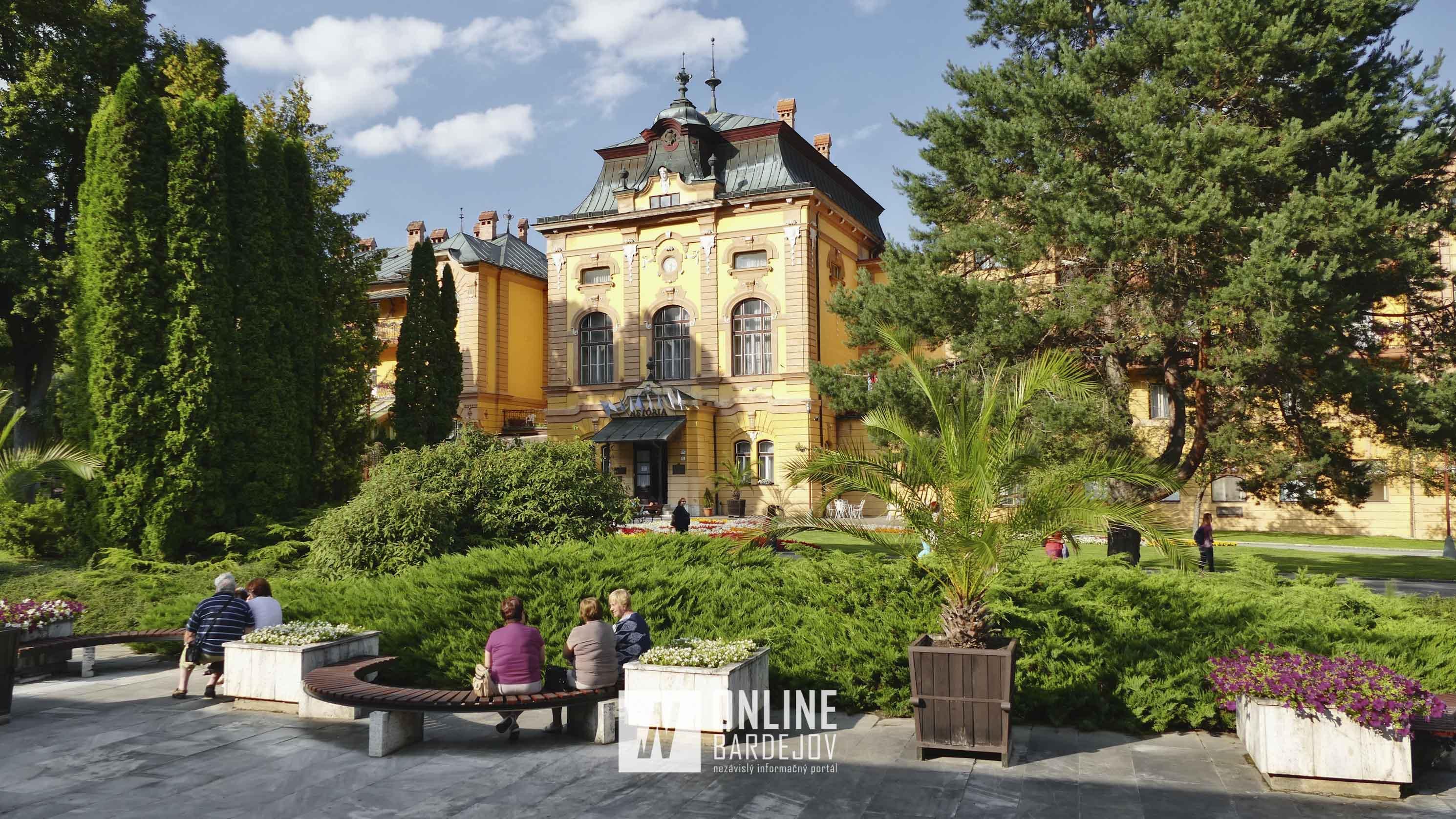 Hotel Astória je historickou dominantou Bardejovských Kúpeľov. Hotel bol postavený v roku 1898 v klasicistickom štýle.