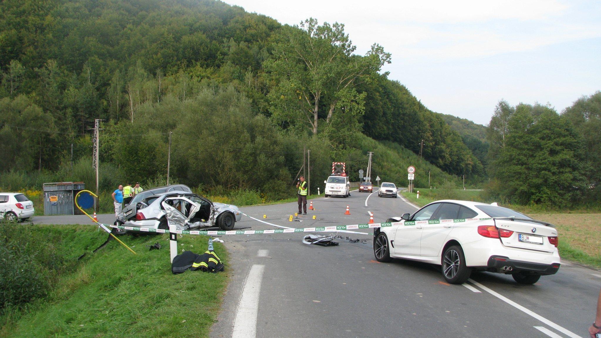 Opis tragickej piatkovej dopravnej nehody medzi Malcovom a Gerlachovom