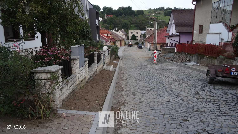 Rekonštrukciu ulíc Fraňa Kráľa a Pod brehom pribrzdilo nepriaznivé počasie