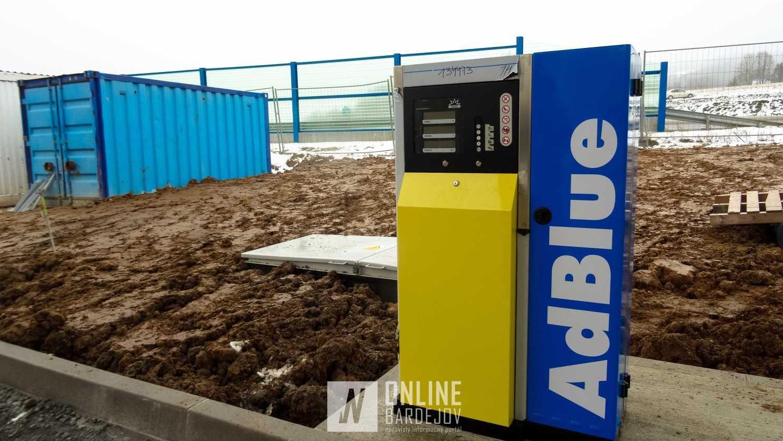 Majitelia naftových motorov s najvyššou EURO normou si budú môcť natankovať prípravok AdBlue.