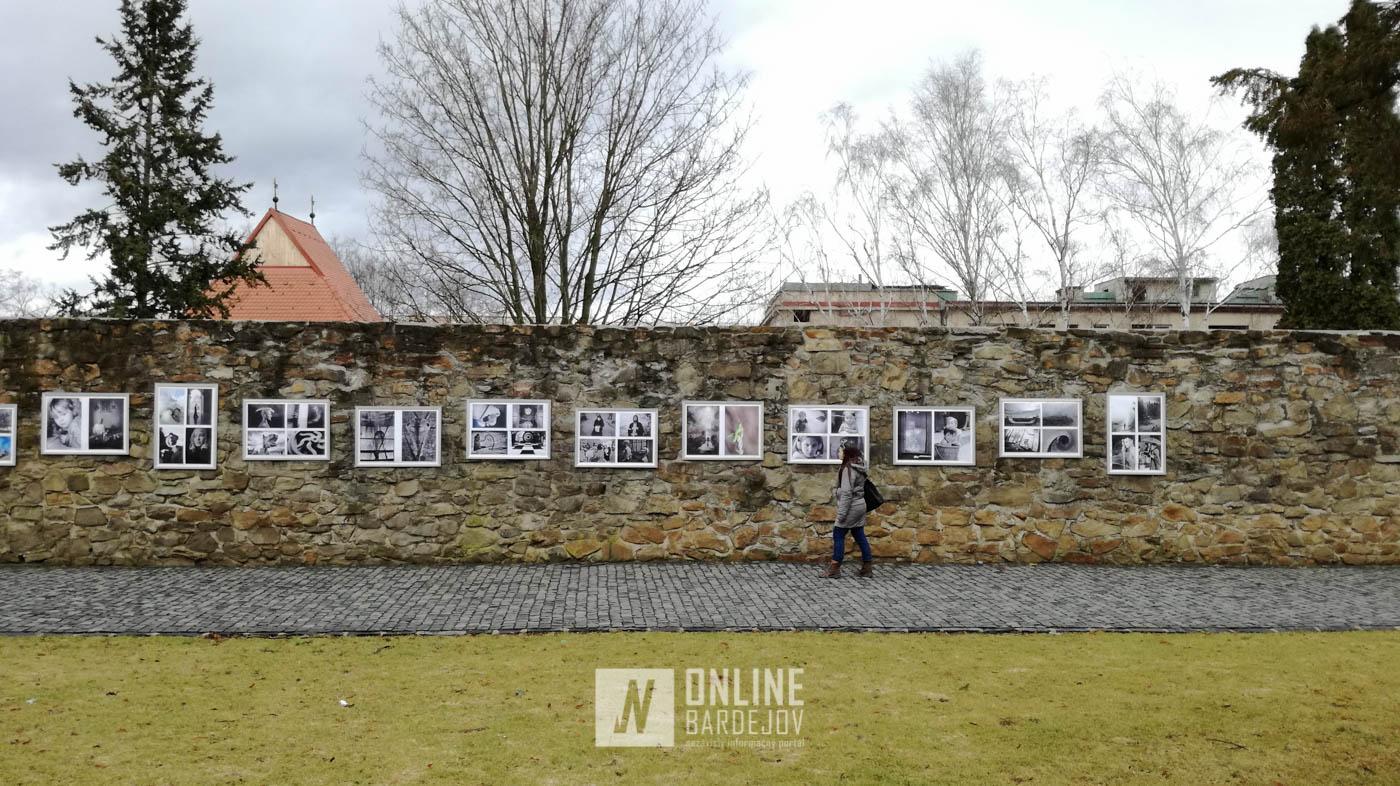 V parku Emila Korbu je inštalovaná výstava Labirynth