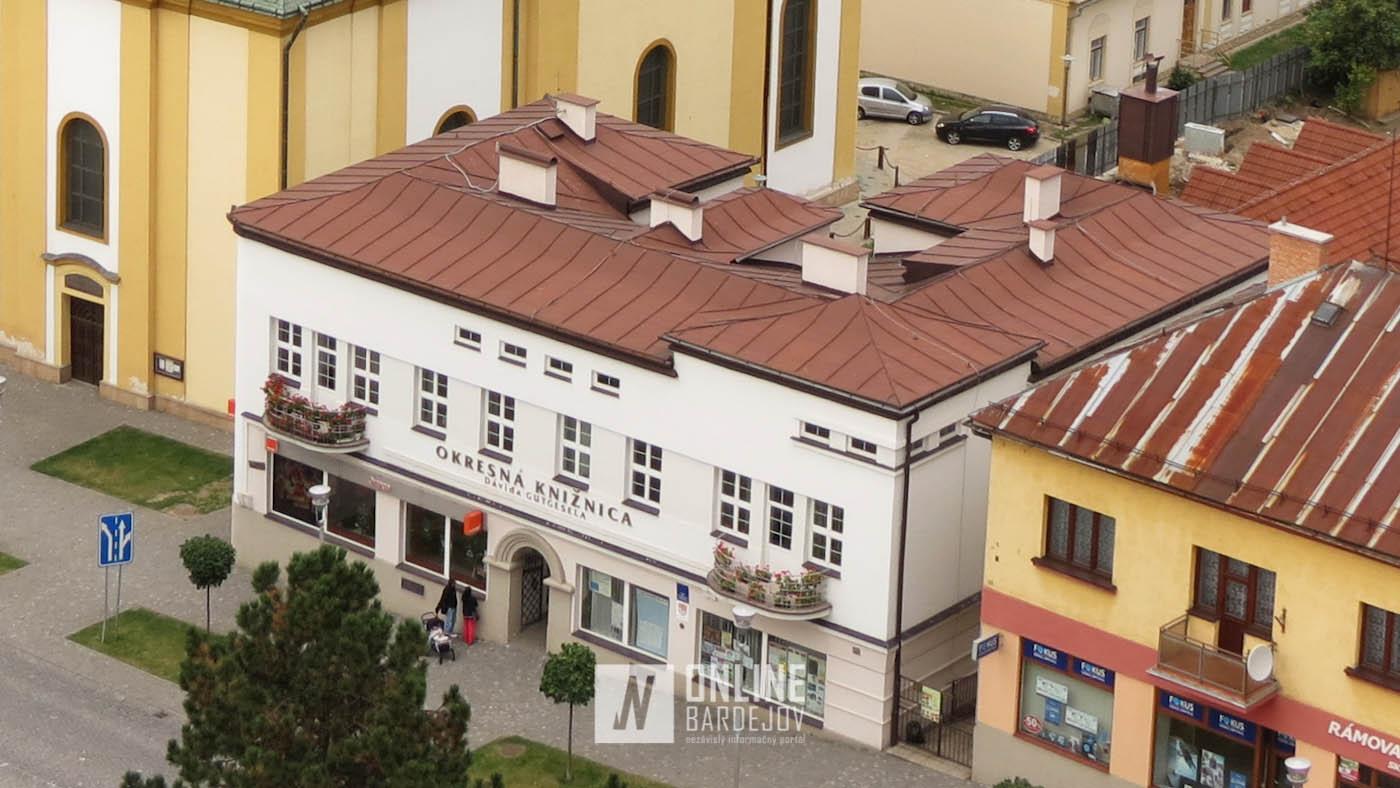 Marec a Okresná knižnica Dávida Gutgesela