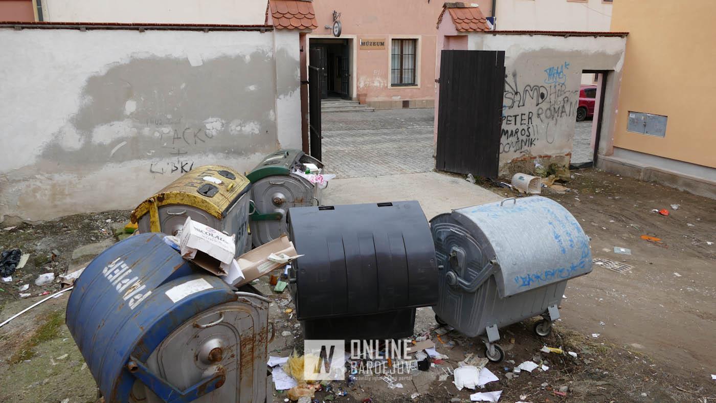 Opakujúci sa problém s odpadom priamo v centre mesta