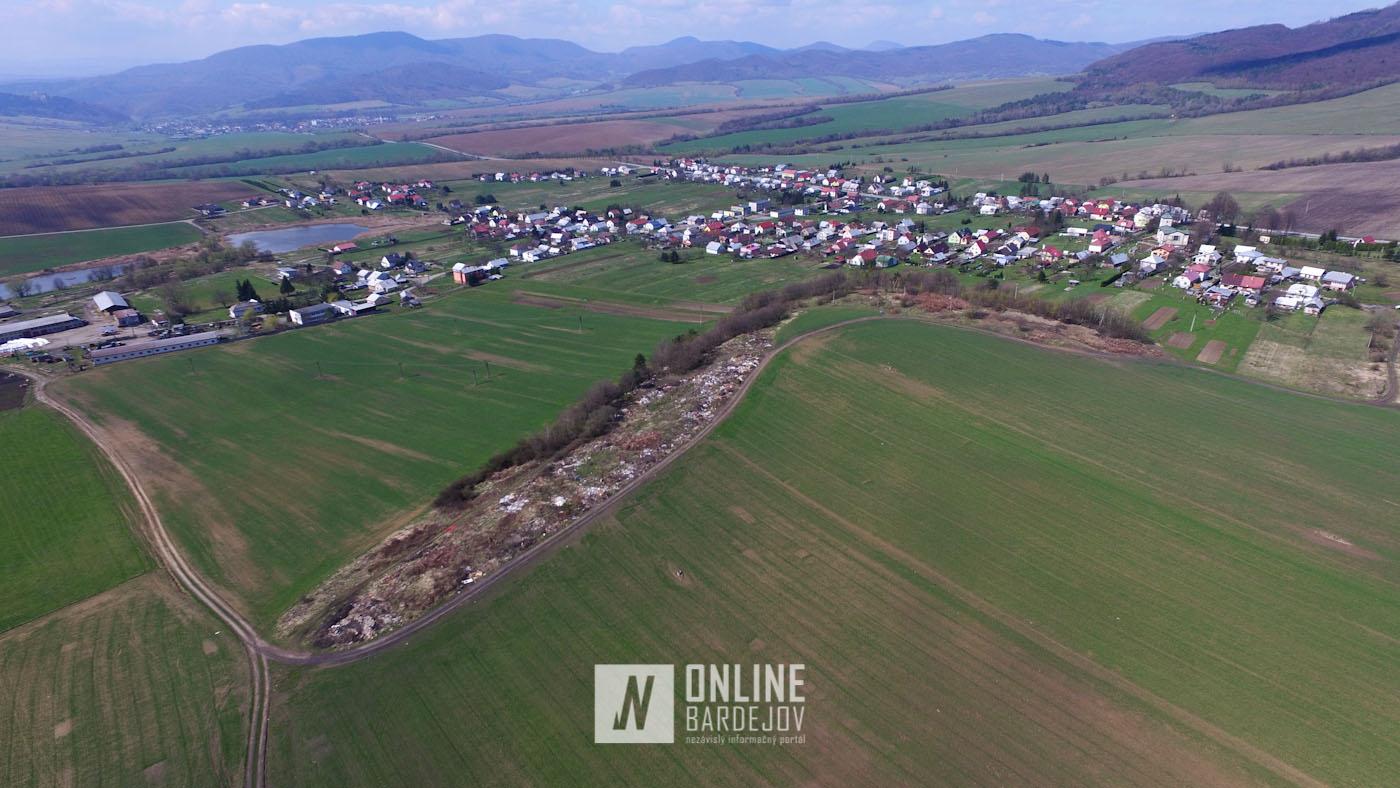 VIDEO: Čierna skládka odpadu pri Smilne z vtáčej perspektívy