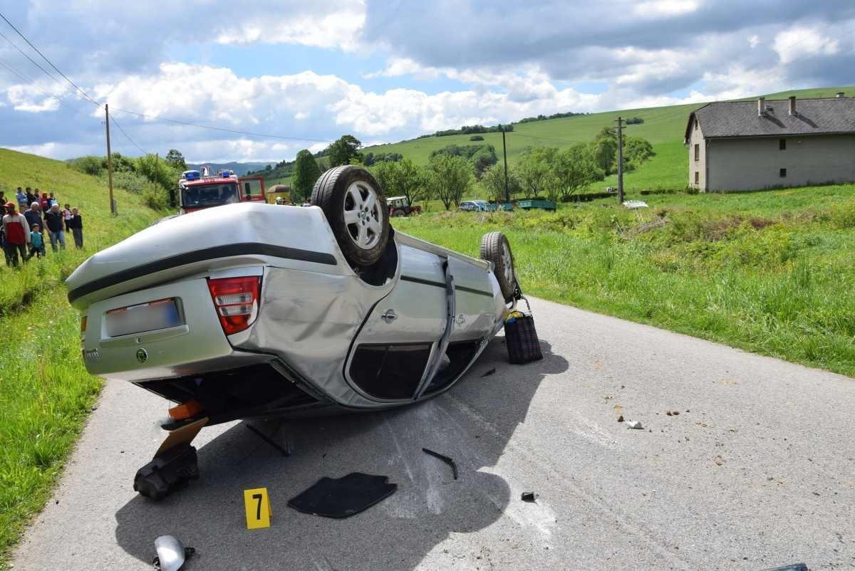 Pri dopravnej nehode bol automobil Škoda Octavia totálne zničený,škoda bola vyčíslená na 3 000 eur.