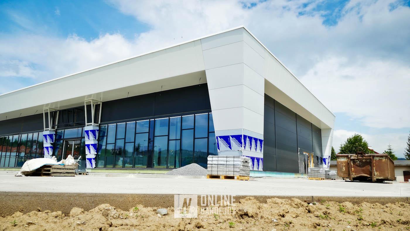 """Nové obchodné centrum je príkladom toho, že """"obchoďák"""" nemusí byť len nevzhľadná škatuľa"""