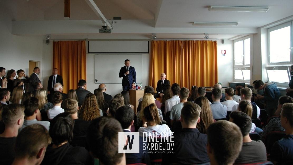 Prednáška R. Fica študentom Gymnázia L. Stöckela.