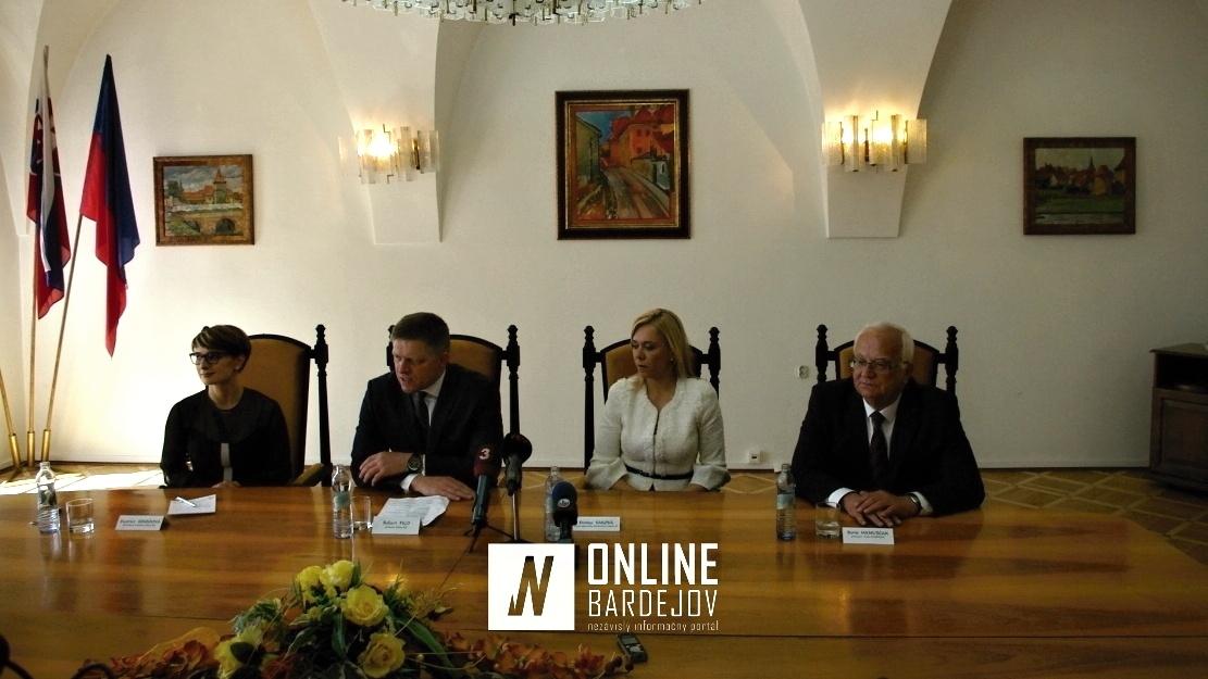Záverečná tlačovka predsedu Vlády SR R. Fica a štátnej tajomníčky Ministerstva vnútra SR D. Sakovej.