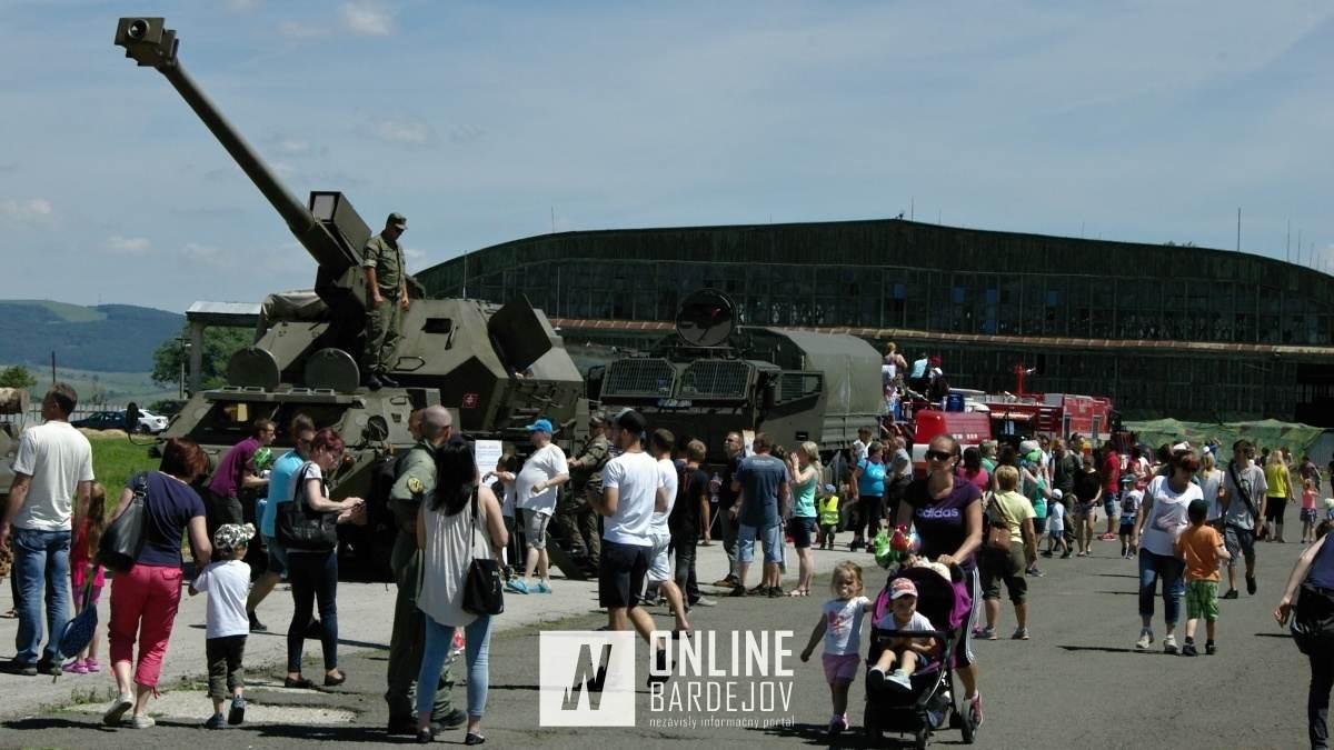 OBRAZOM: Na Leteckej základni v Prešove bolo dnes rušno. Vojaci otvorili brány širokej verejnosti!