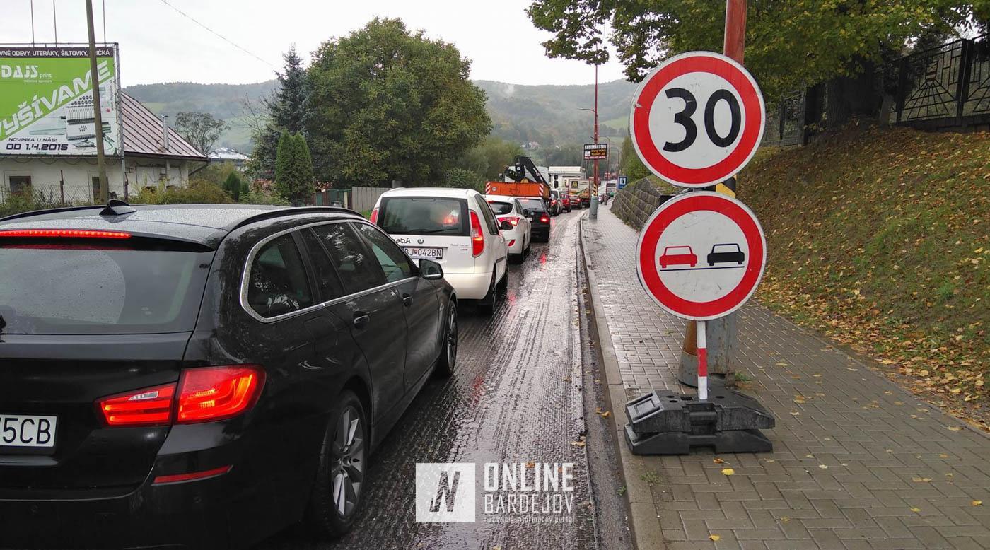 Informácia pre vodičov: Aktuálne prebieha frézovanie vozovky