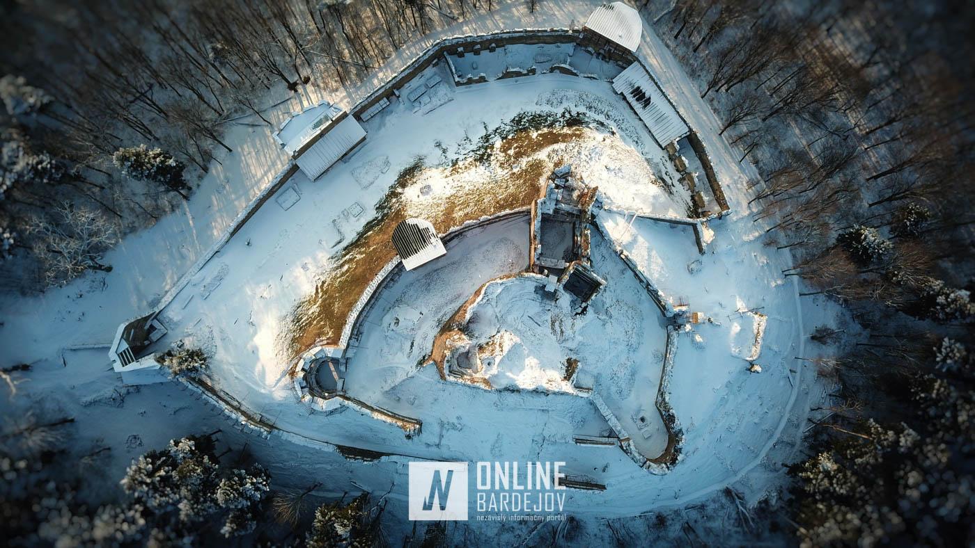 Hrad Zborov – zimné januárové pohľady