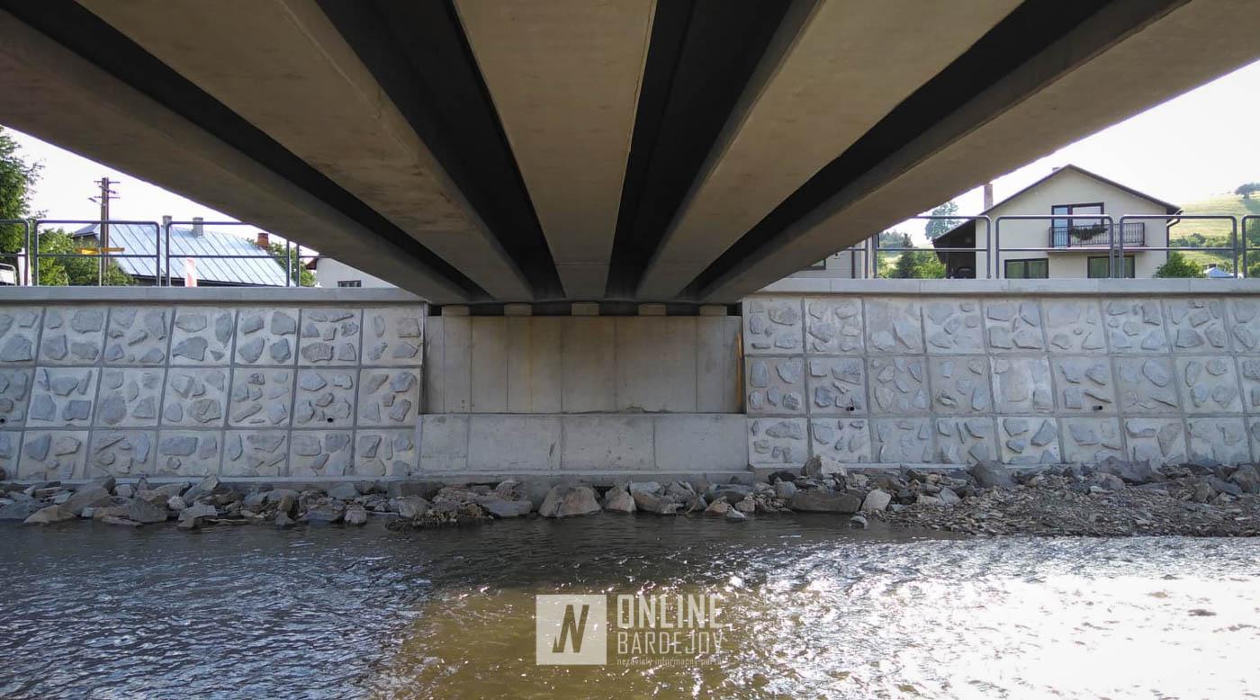 Stavba mostu cez potok Kamenec v Dlhej Lúke sa blíži do finále