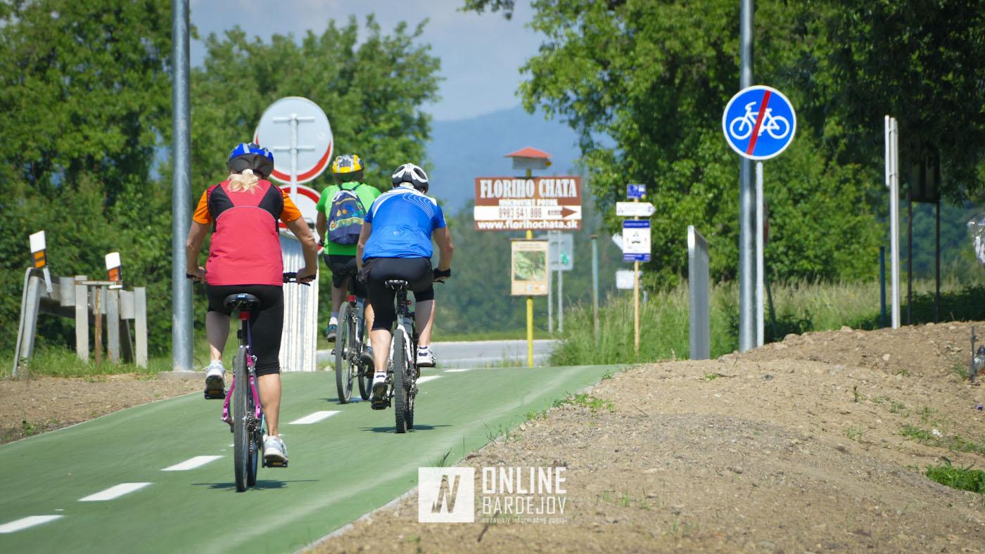 Novým cyklochodníkom už jazdia prví cyklisti, nedostatky sa v rýchlosti stratia!