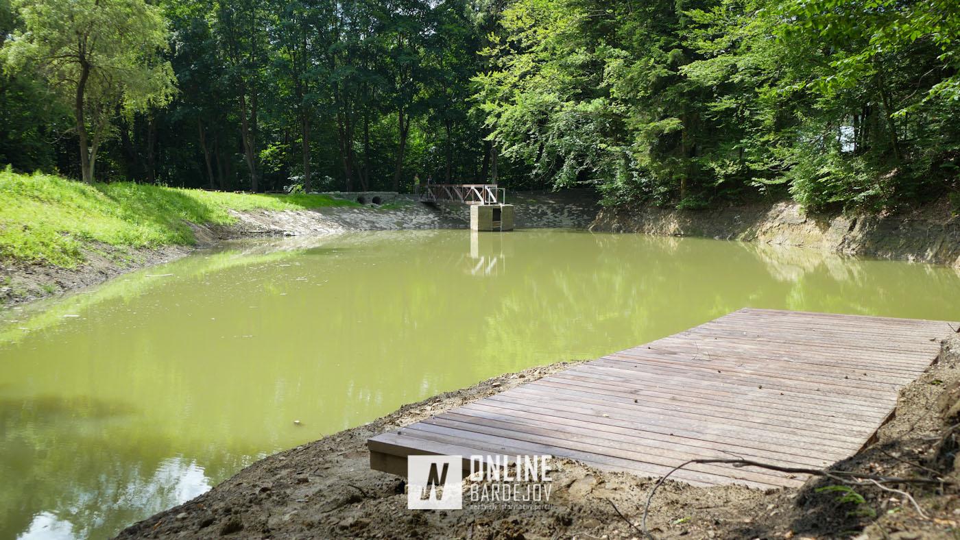 OBRAZOM: Pohľad na jazierko si môžete vychutnať aj z nového móla
