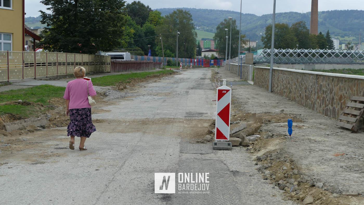 OBRAZOM: Úvodné práce na revitalizácii nábrežia rieky Topľa