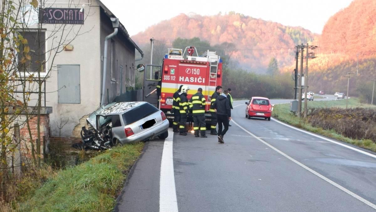 Nový týždeň na cestách začal vážnou dopravnou nehodou v Gerlachove! Mladému vodičovi môžete pomôcť darovaním krvi!