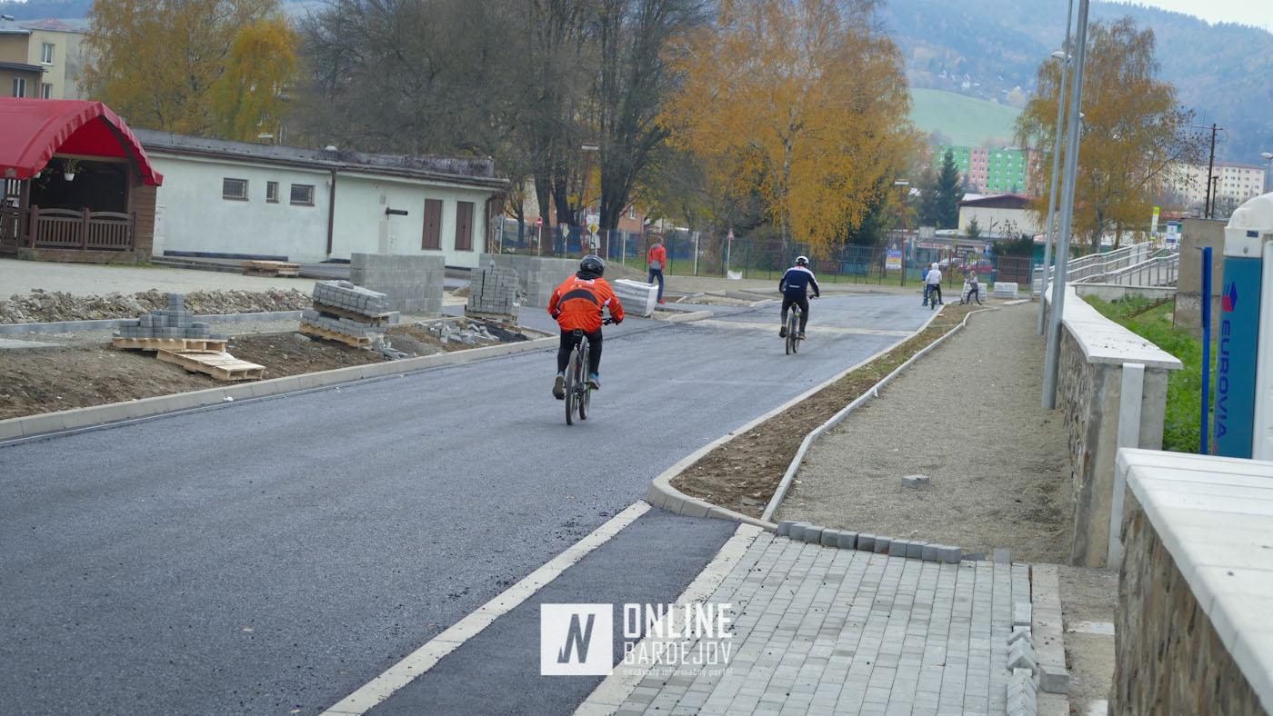OBRAZOM: Nové asfaltové povrchy na nabreží už pritiahli prvých cyklistov