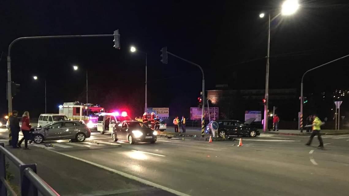 Vodič s 2,56 promile prešiel na červenú a spôsobil vážnu dopravnú nehodu!