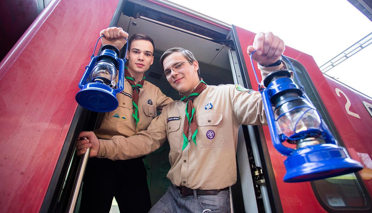 Skauti s podporou ZSSK privezú vlakom betlehemské svetlo aj do Bardejova