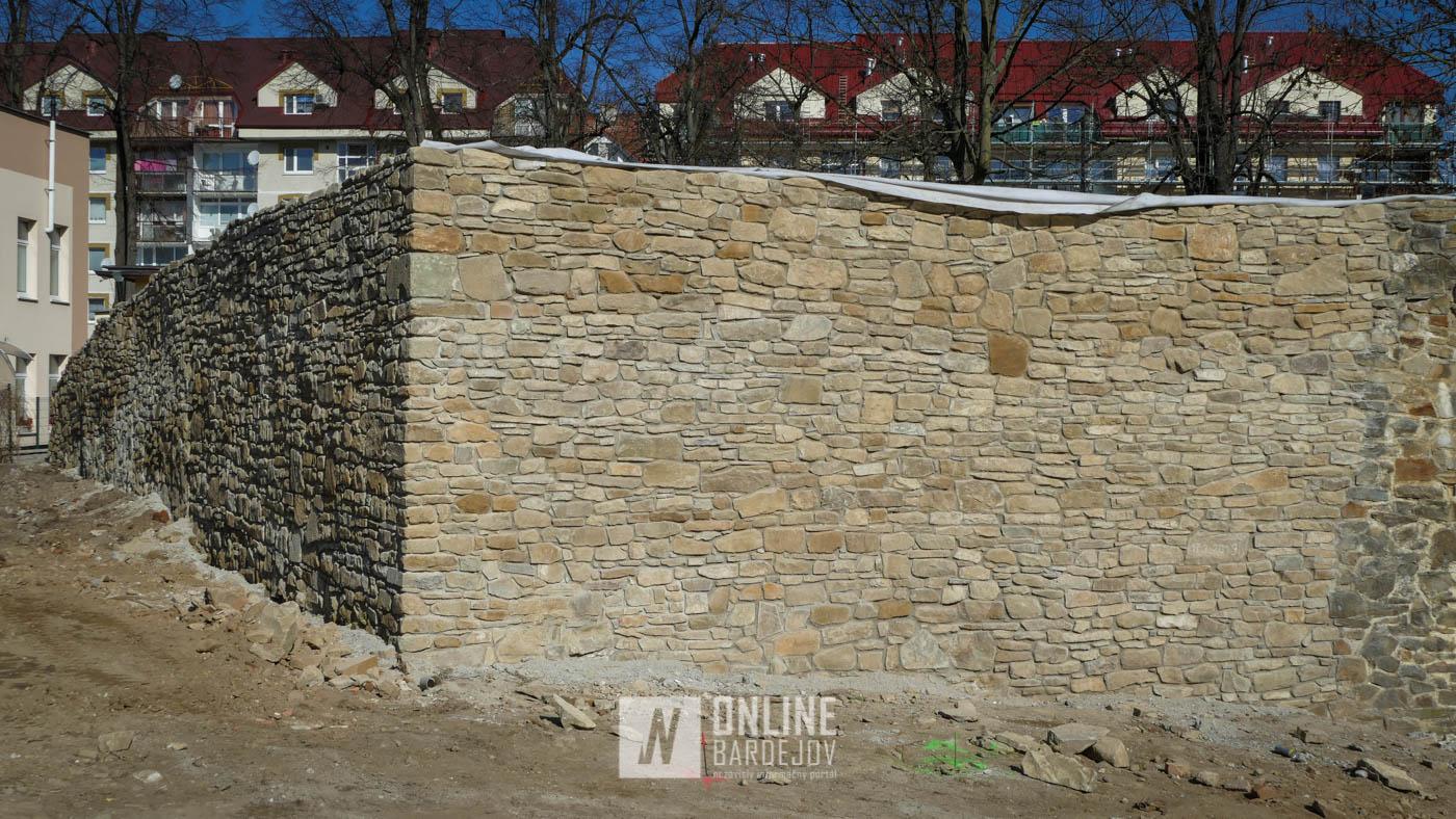 OBRAZOM: Dokončená nová časť hradieb