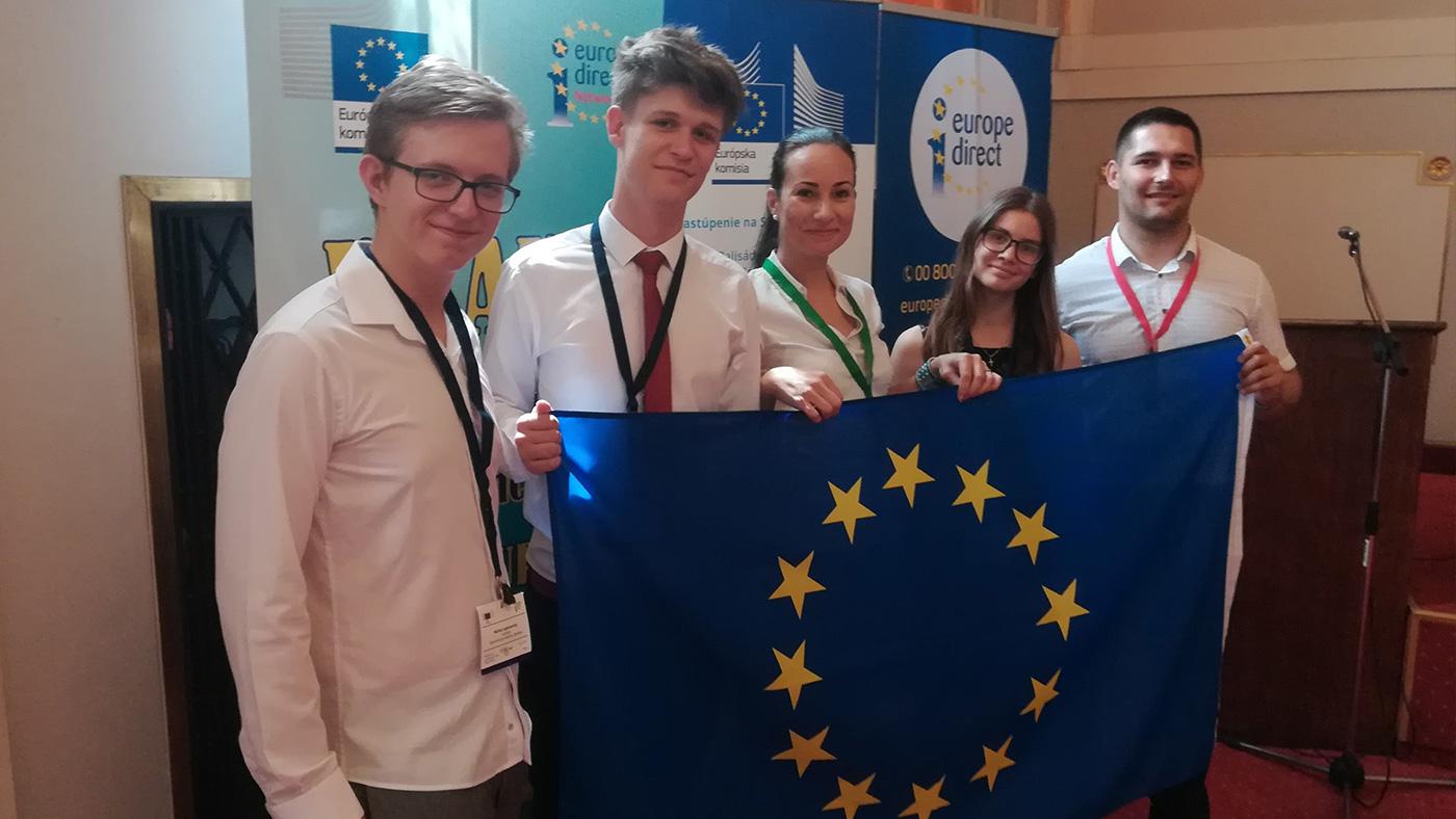 """Víťazi celoštátneho kola """"Mladý Európan 2019"""" sú zo Súkromného gymnázia v Bardejove!"""