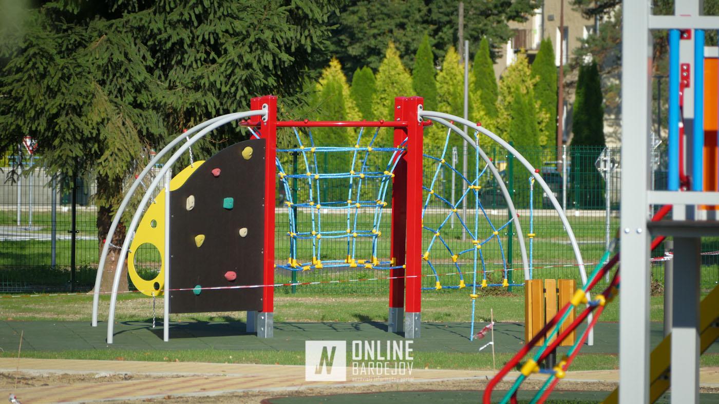 Pozrite si nové atrakcie, ktoré ponúkne zrekonštruované detské ihrisko pri Topli