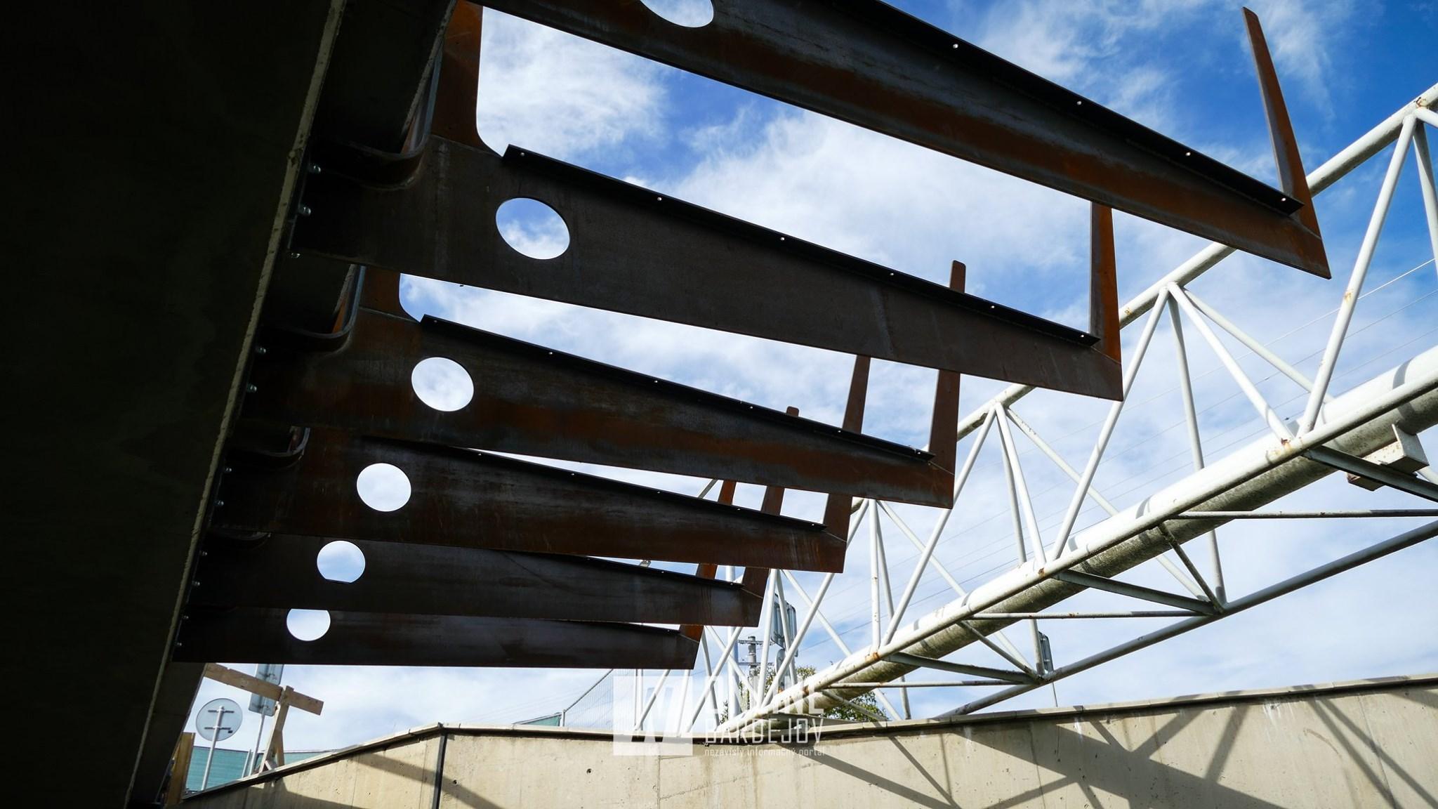 Konštrukcia novej cyklolávky je už súčasťou Mokrolužského mosta