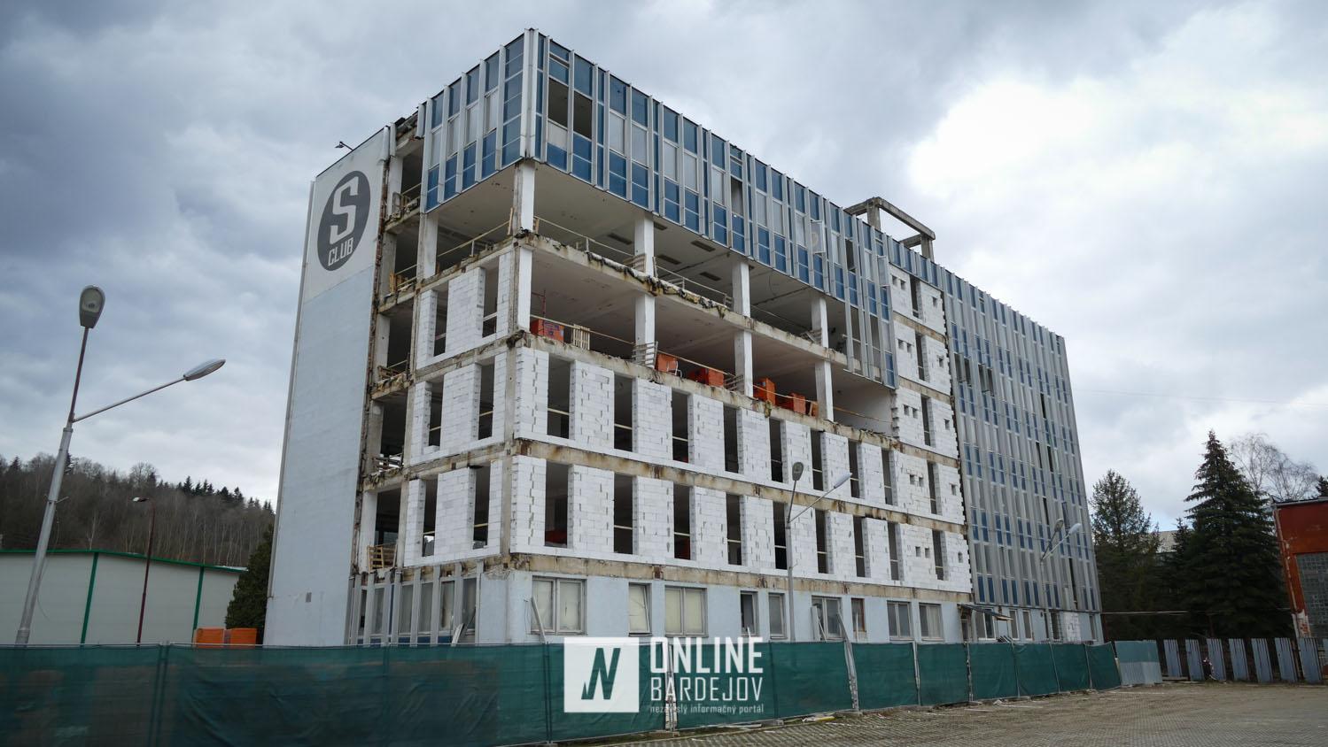 Prestavba nevyužívanej výškovej budovy bývalých strojární