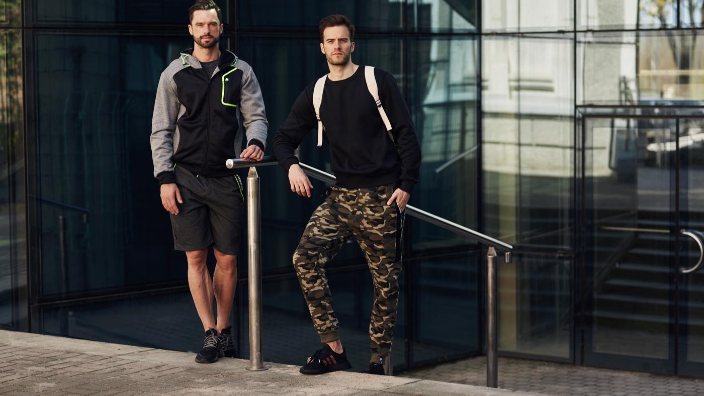 Vojenská móda je v kurze – pozrite si naše tipy na pánske maskáčové nohavice